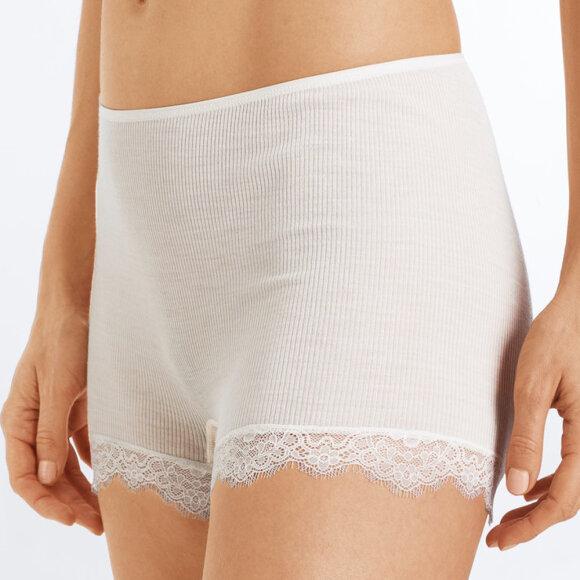 Hanro - Woolen Lace shorts - vanilla